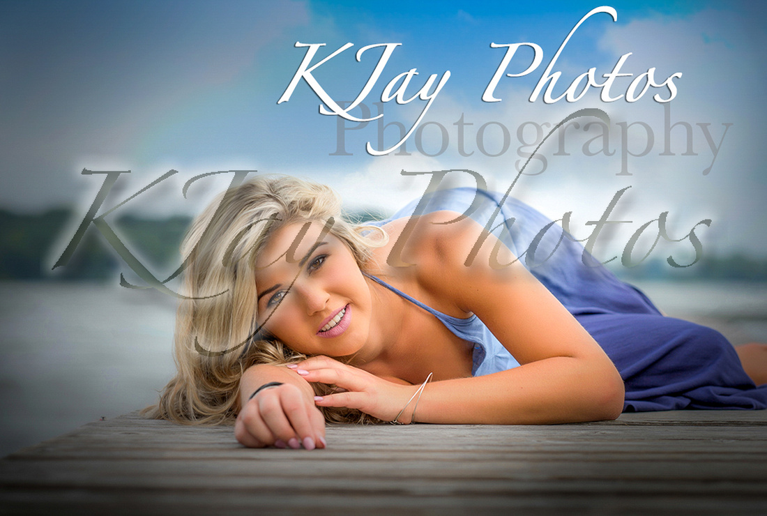 Middleton WI Photographer specializing in high school senior portraits.  Beautiful pictures.  Now reserving the Class of 2018.